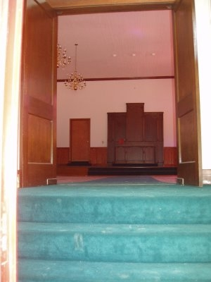 Coming in the Front Door - this will not be the main entrance because of the pulpit being at the top of the steps.jpg - 52040 Bytes
