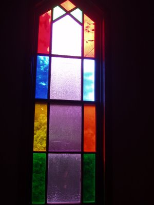 beautiful stained glass windows.JPG - 15929 Bytes